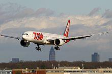 Boeing_777-32W-ER,_TAM_AN2033782